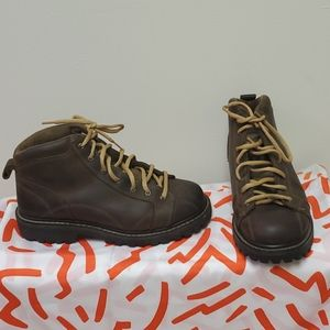 American Eagle Brown Hiking Boots